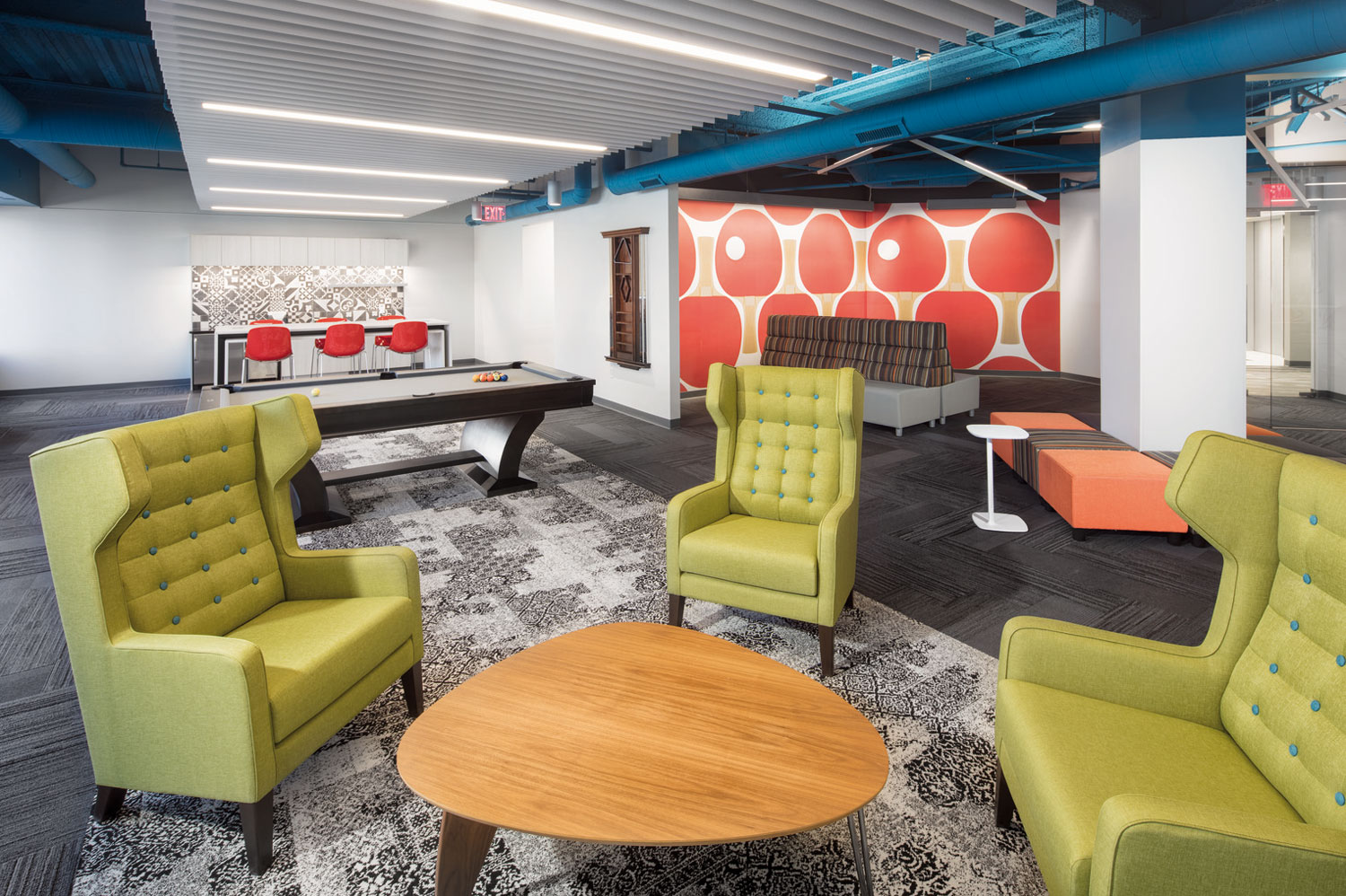 A new tenant lounge with spaces to get into work time or get into break time